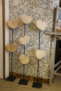 Holzkerze mit Metallständer